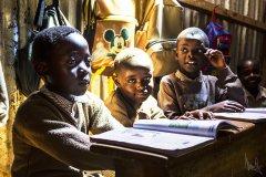 Nairobi: Výuka v Ngando Preparatory School