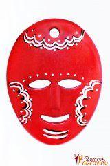 Dekorační maska červená s černobílým zdobením